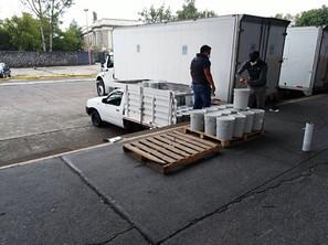 Donacion sanitizante Foto 1.JPG