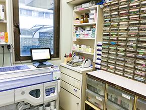 pharmacy_room.png