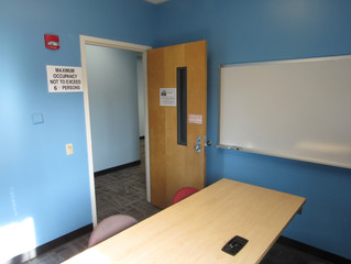 Baby Blue Walls Offer Studying Students a Sense of Calmness