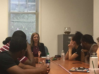 Jodi Phelps Visits Public Relations Students, Shares Experiences in the Field