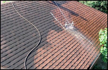 800px-Low_Pressure_Roof_Washing.jpg