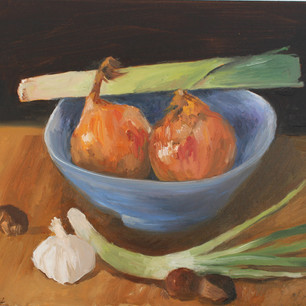 Blue bowl with onions and a leek.jpg