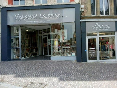 photo magasin contact.jpg