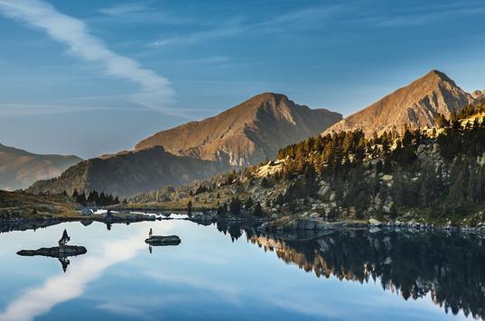 Illes dins d'un llac.jpg