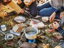 Eating Well While Traveling on a Budget