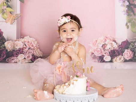 Maya's First Birthday Cakesmash