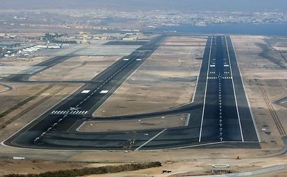 Fuerteventura Airport - Runway