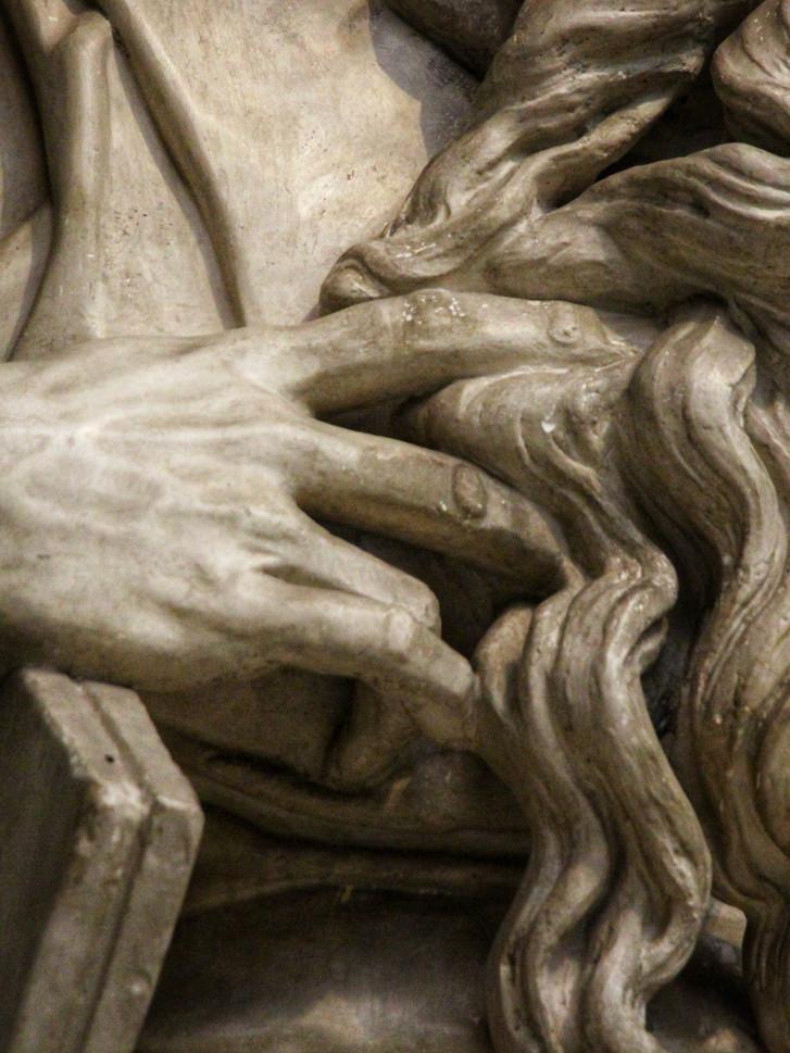Фрагмент мраморного слепка Давида. Микеланджело Буанарроти — Моисей. 1513-1516 года. Автор фотографии: Давид Дивайн