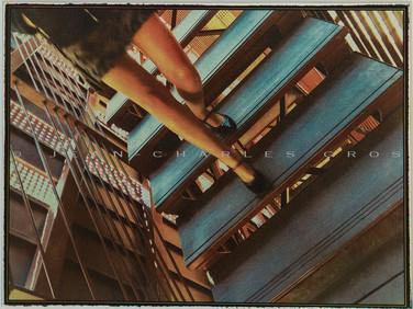 Marseille. En descendant l'escalier. Gomme bichromatée polychrome.