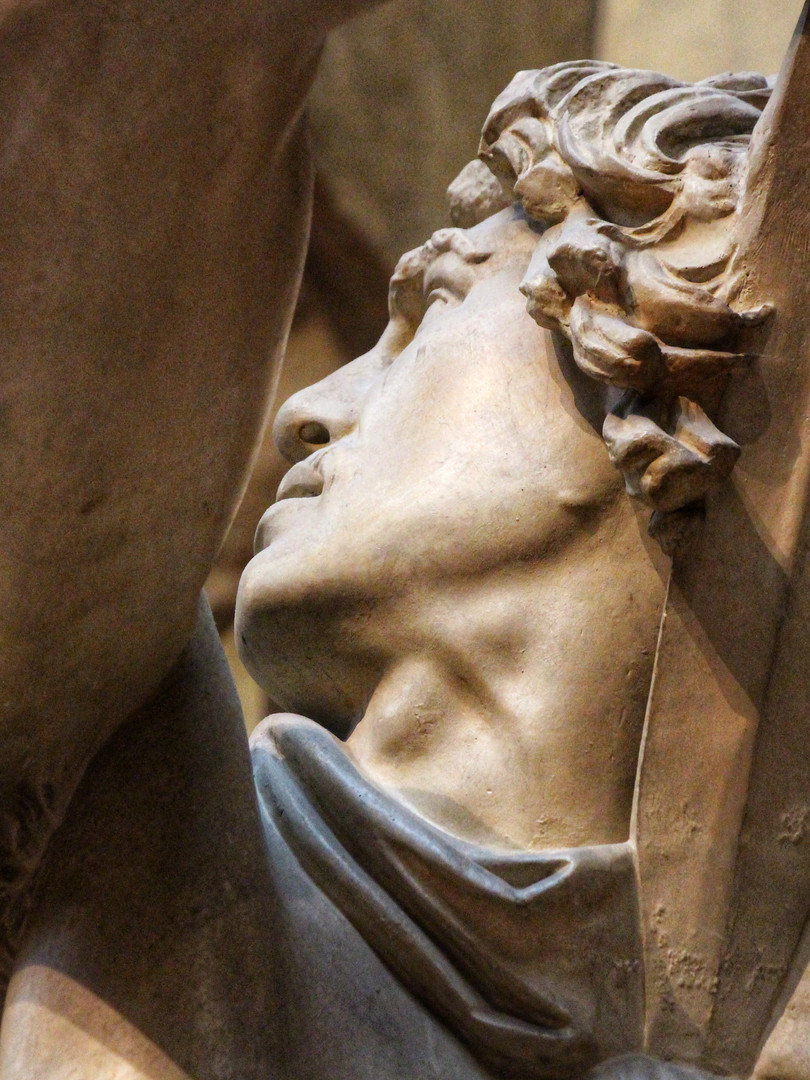 Фрагмент скульптуры Галла, убивающего свою жену и себя. Копия римского времени бронзового оригинала около 230-220 годов до нашей эры. Автор фотографии: Давид Дивайн