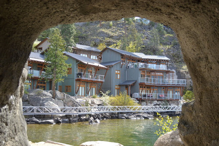 OUTBACK LAKESIDE VACATION HOMES,  Vernon, British Columbia