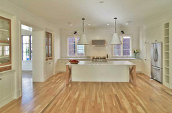 GREAT RM / KITCHEN