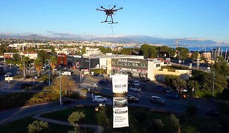 Drone et banderolle.jpg