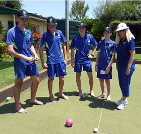 School Students learn lawn bowls