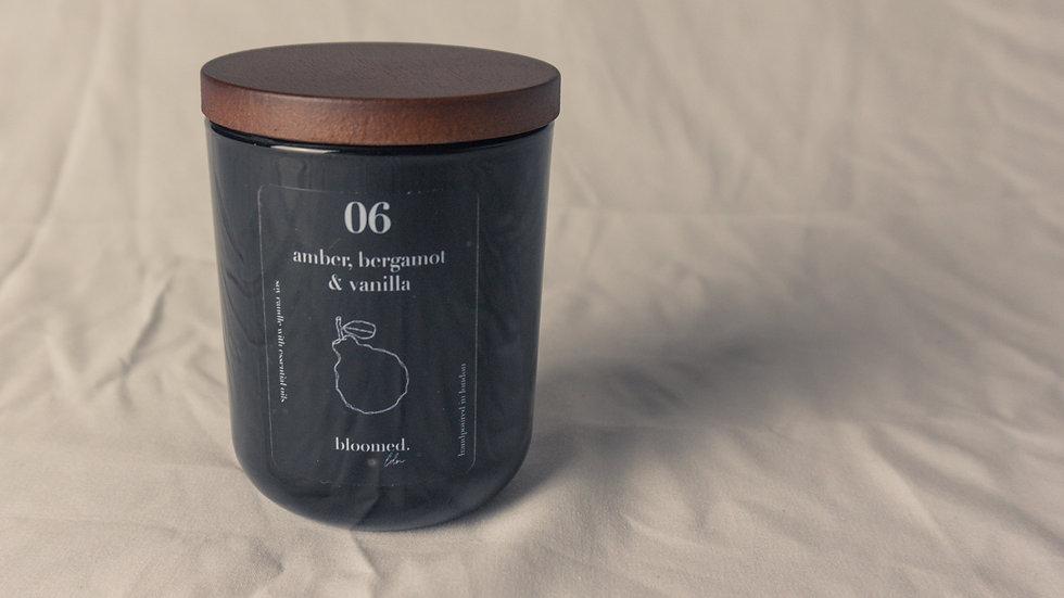 bergamot amber vanilla soy wax candle wooden lid