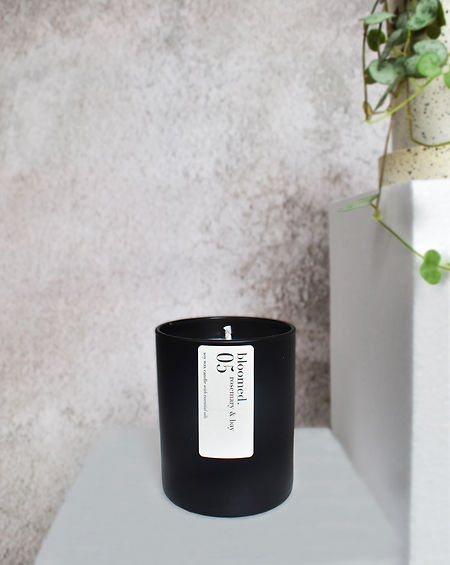 bay-rosemary-black-soy-wax-candle-jesmon