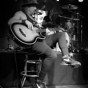 Tony V's - Unplugged