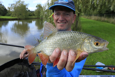 Darren Cox with a pristine roach from House pool