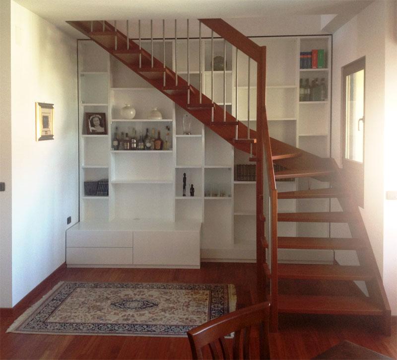 Libreria a muro laccato bianco con ante in vetro extra chiaro - libreria tutta altezza con mobile a cassettoni