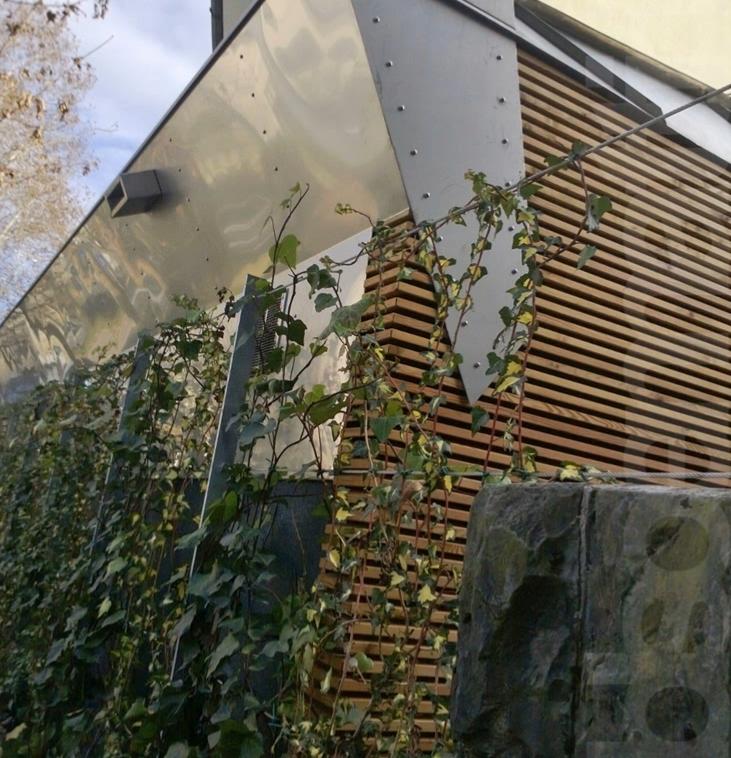 Vista esterna - rivestimento con elementi di legno orizzontali