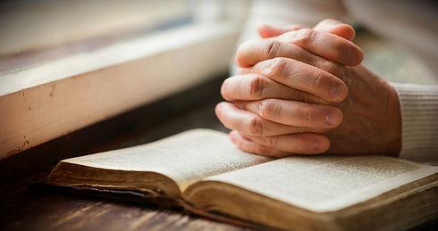 praying 2.jpg