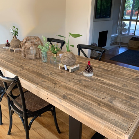Upcycle Pallet Dining Table