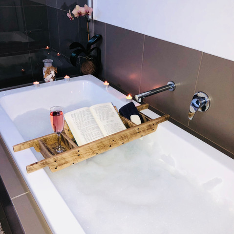 Upcycle Pallet Bath Caddy