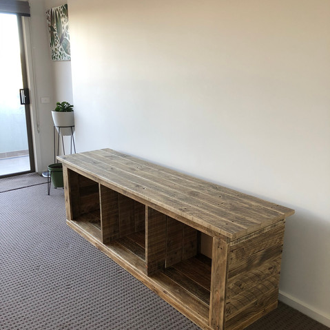 Upcycle Pallet Tv Cabinet without doors