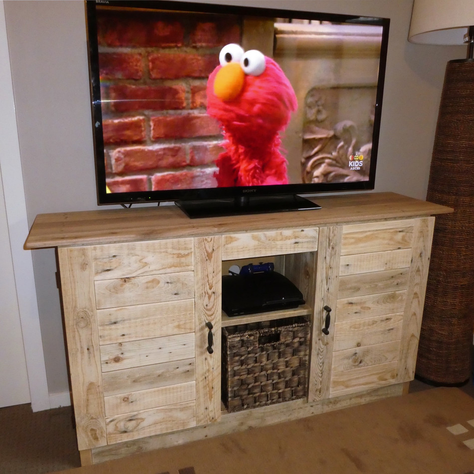 Upcycled Pallet TV Cabinet