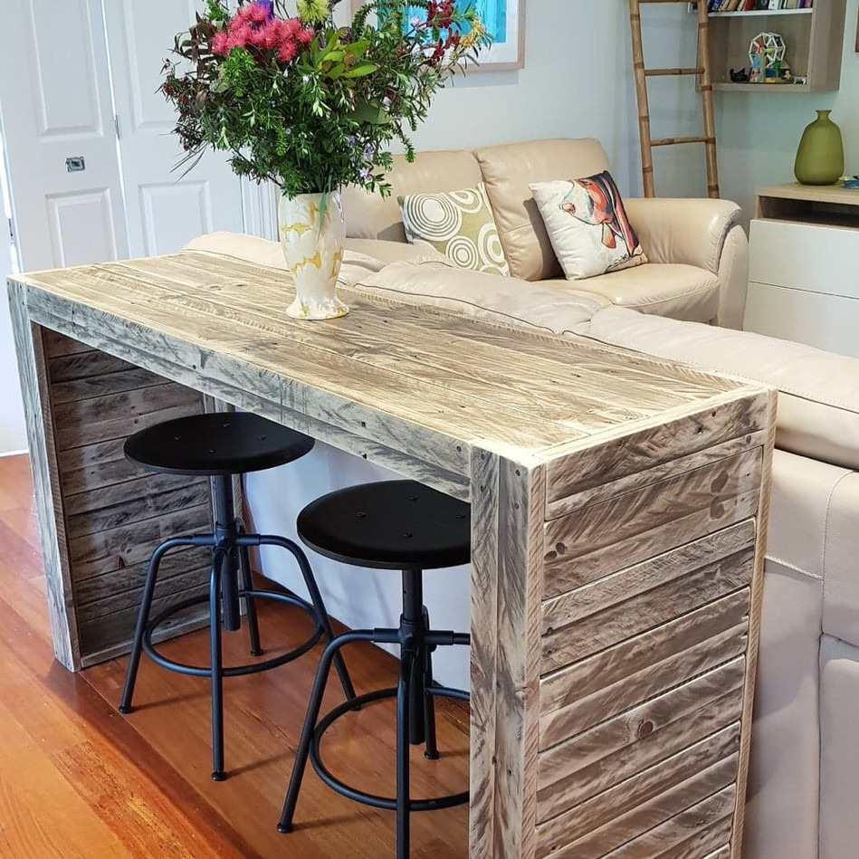 Upcycle Pallet Sofa Table