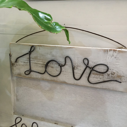 Love wire hanging sign
