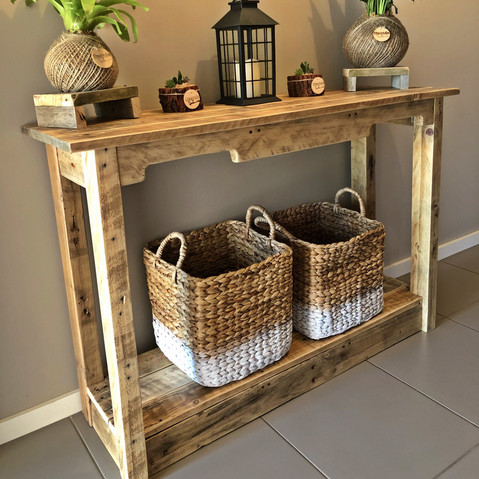 Upcycled Pallet Hallstand with shelf
