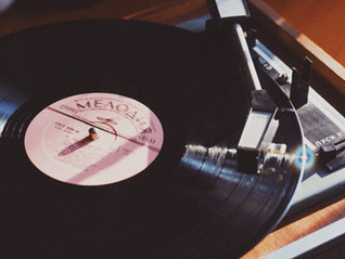 Vinyl Records Looking To Outsell CDs For The First Time Since the 80's