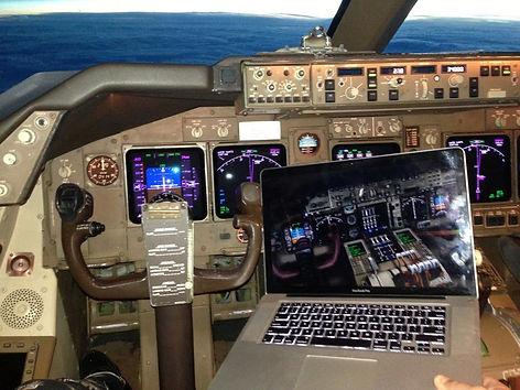 747 sim real.jpg
