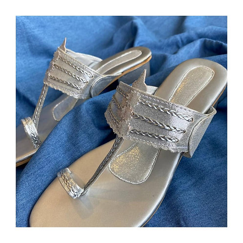 Silver shimmer Kohlapuri