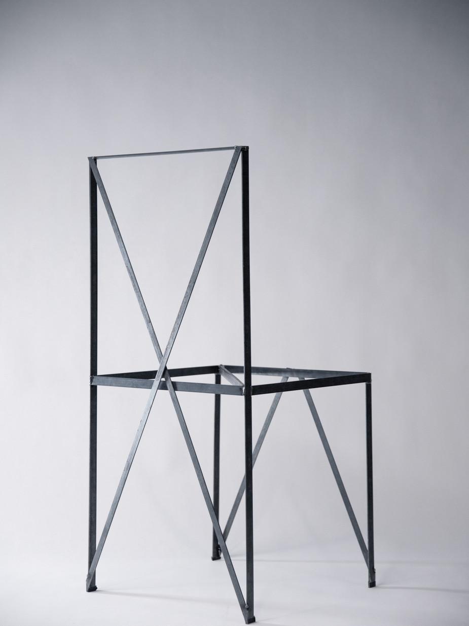 FA009_Steelchair