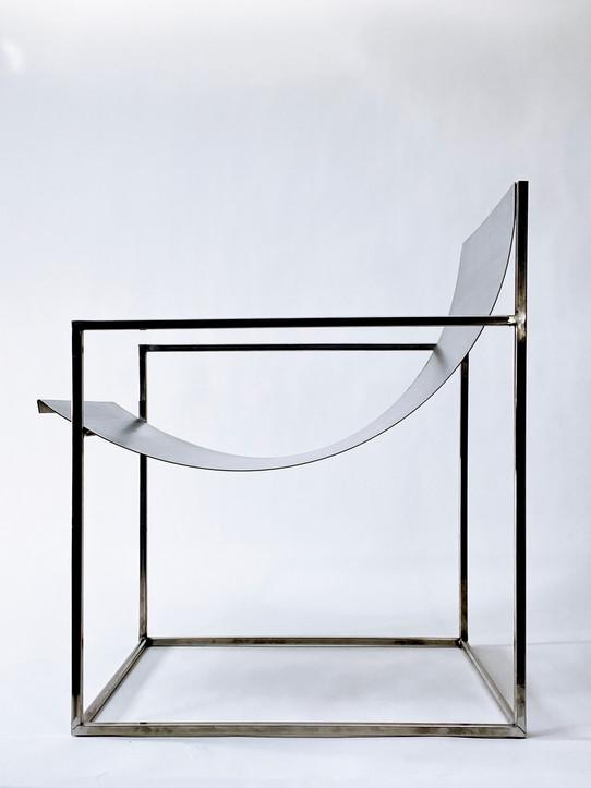 FA016_Steelchair