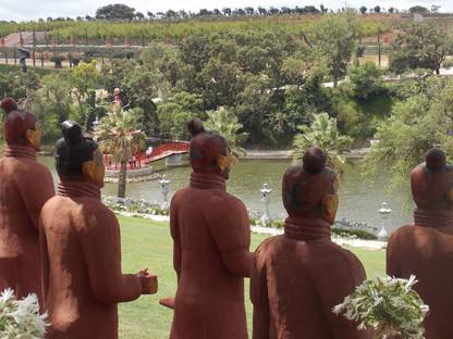BUDDHA EDEN - GRAND LAKE VIEW