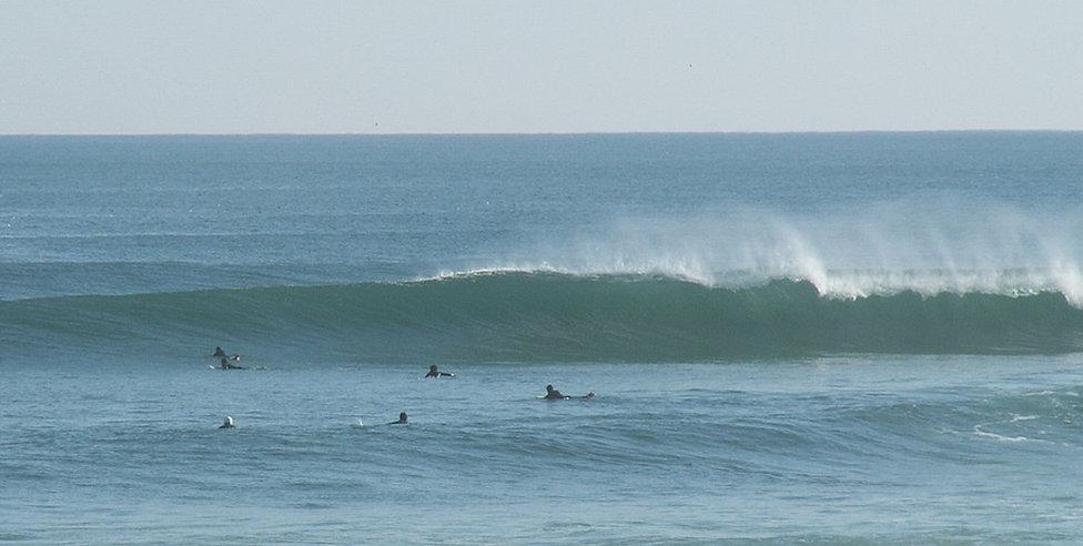 Zambeachouse - Surf Guiding.jpg