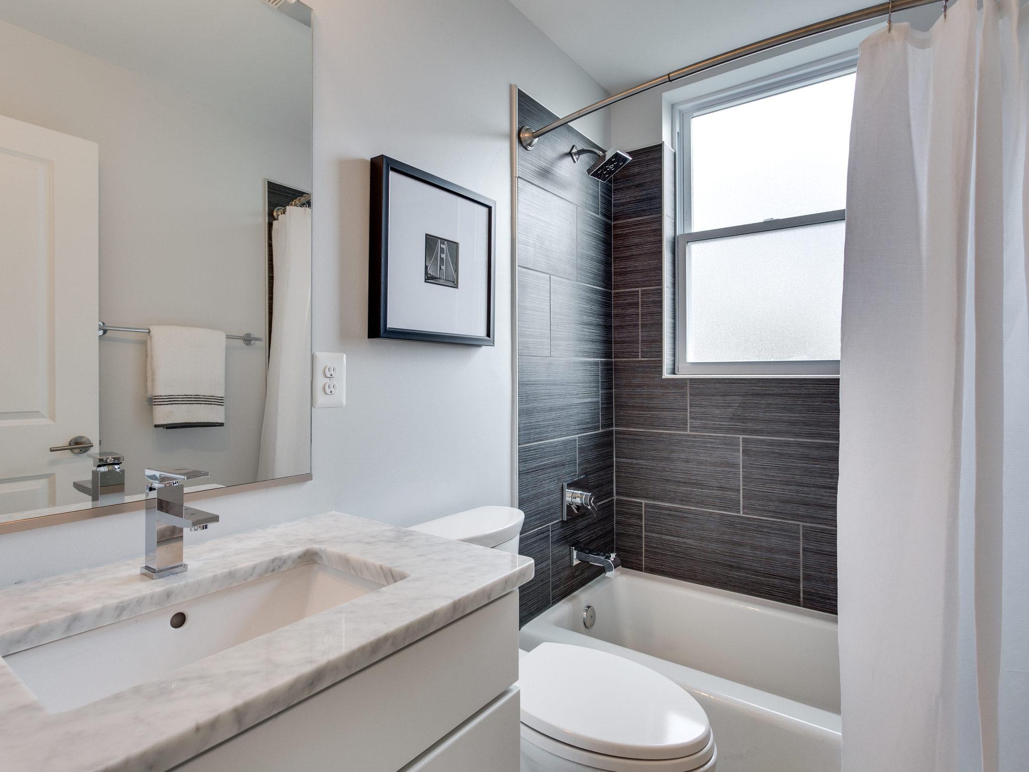 1233 Euclid St NW Washington-MLS_Size-019-Bathroom-2048x1536-72dpi