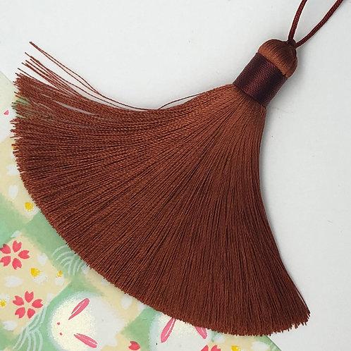 Medium Tassel ~ Cinnamon