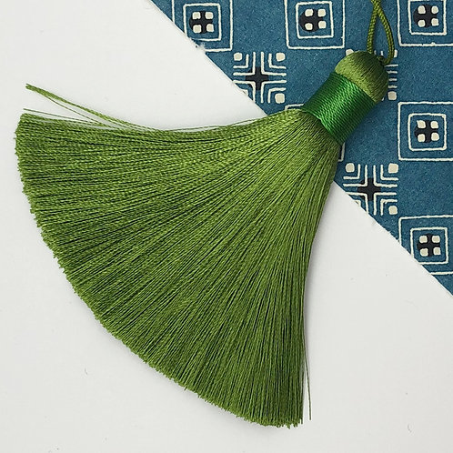 Medium Tassel ~ Pear