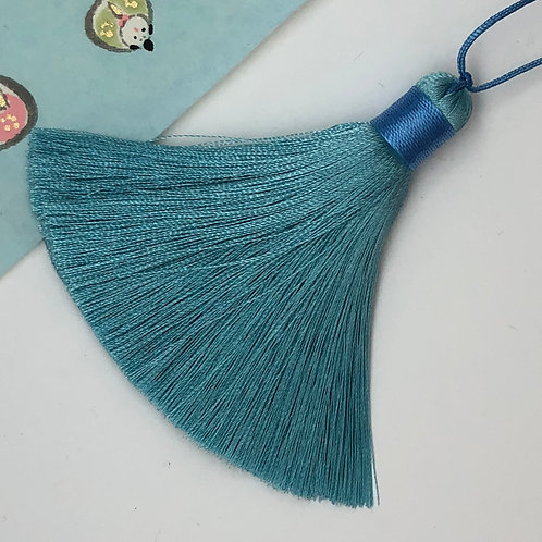 Medium Tassel ~ Blue Lake