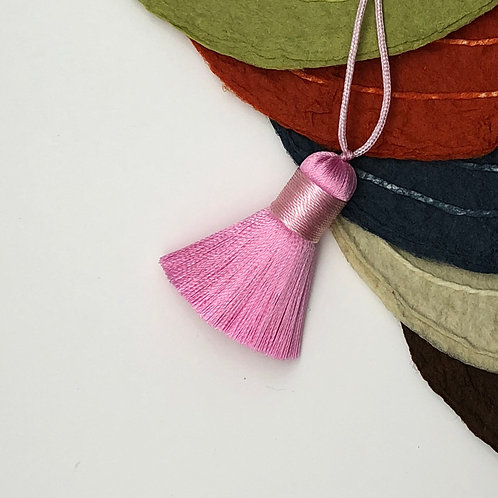 Small Tassel ~ Pale Pink