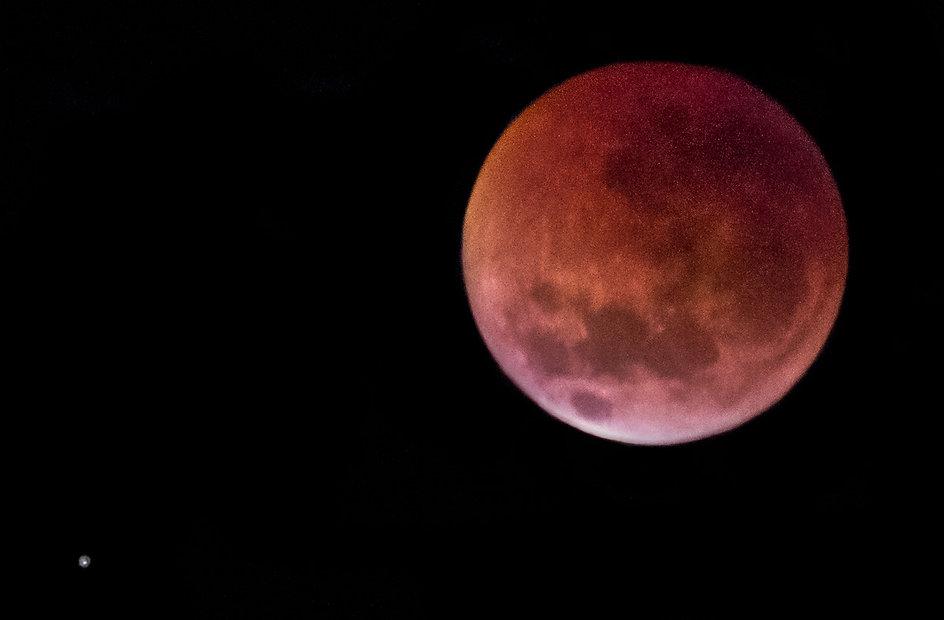 Красная-луна-Марс-1.jpg