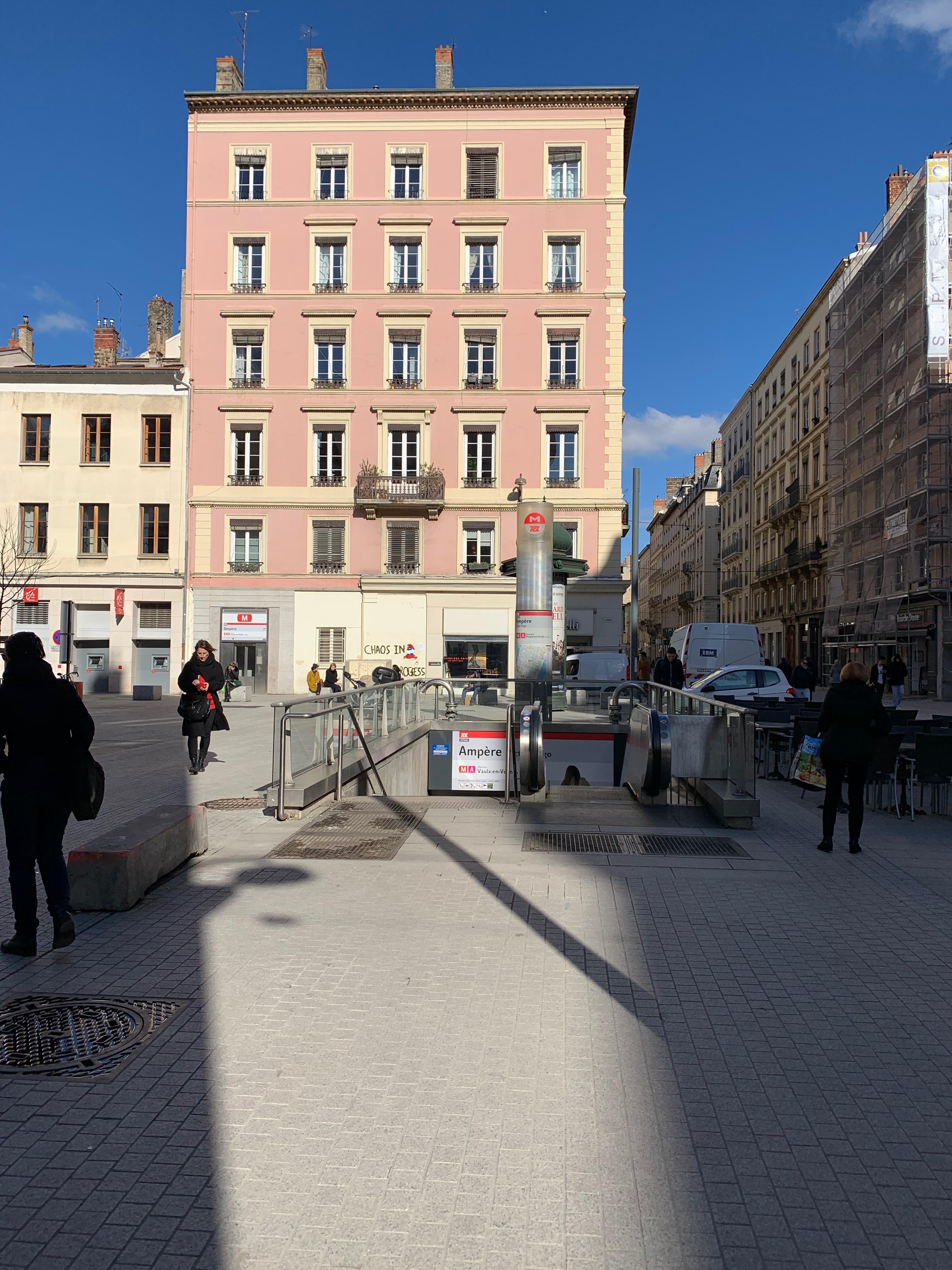Place_Ampère_Métro