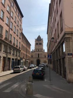 Basilique d'Ainay à 150 mètres