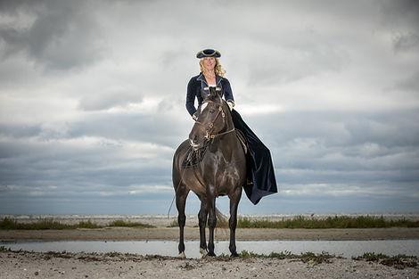 Andrea mit Pferden-3.JPG