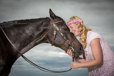 Andrea mit Pferden-10.JPG