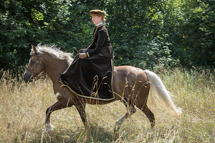 Andrea mit Pferden-83.JPG